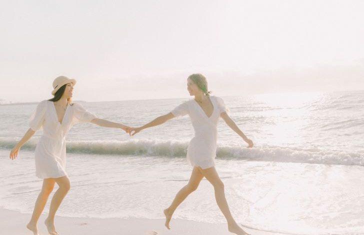 Samen daten op het strand